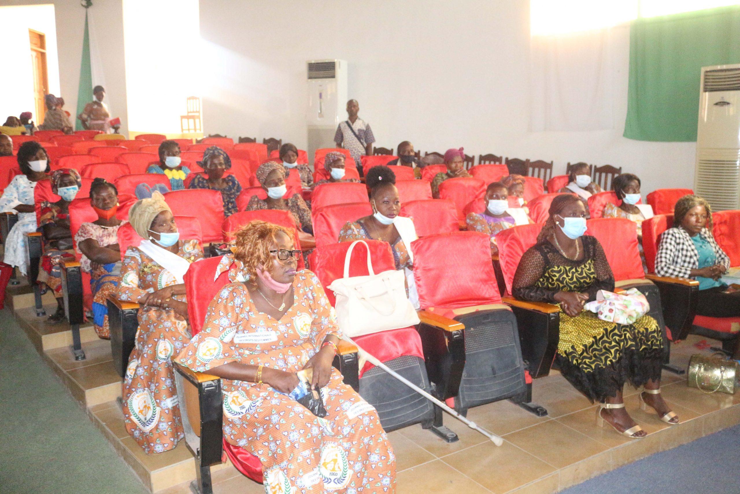 RAFAD Renforcement du leadership feminin pour une gouvernance locale participative et equilibre dans la ville de Kara2 scaled
